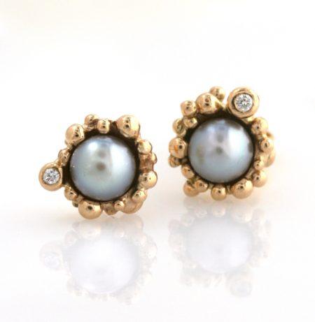 guld ørering med perle og brillant