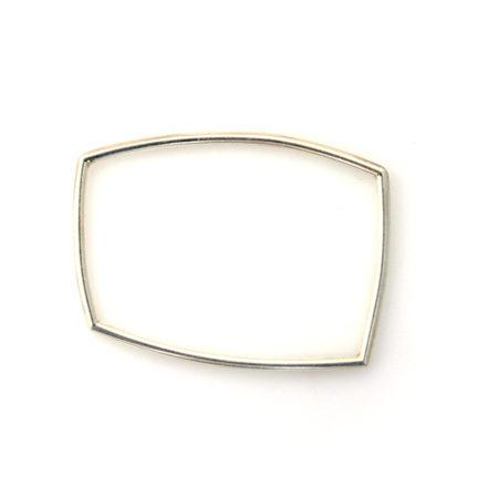 Sølv armbånd til kvinder i firkantet form med blank overflade. Håndlavet af Christel Kaaber Guldsmedie