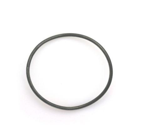 Ovalt sort armbånd i sølv set i profil. Håndlavet af Christel Kaaber Guldsmedie