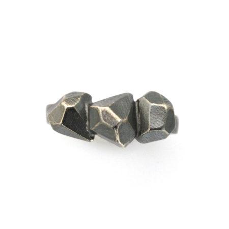 Flotte ringe. Rock ring i sort sølv. Håanlavet af Christel Kaaber Guldsmedie.