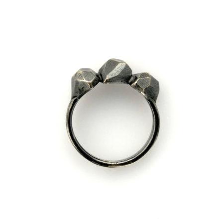 Flotte ringe. Rock ring i sort sølv. Håndlavet hos Christel Kaaber Guldsmedie.