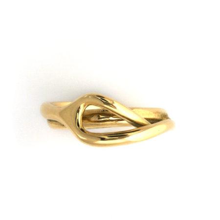 Guld ringe til damer. Sving ring i guld af Christel Kaaber Guldsmedie